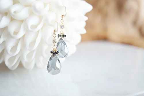 【14KGF】 Silver Gray Briolette Crystal Teardrop Earrings