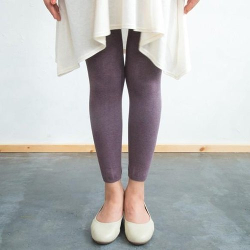 Plant dyeing plain stitch leggings MurasakiKaorusome