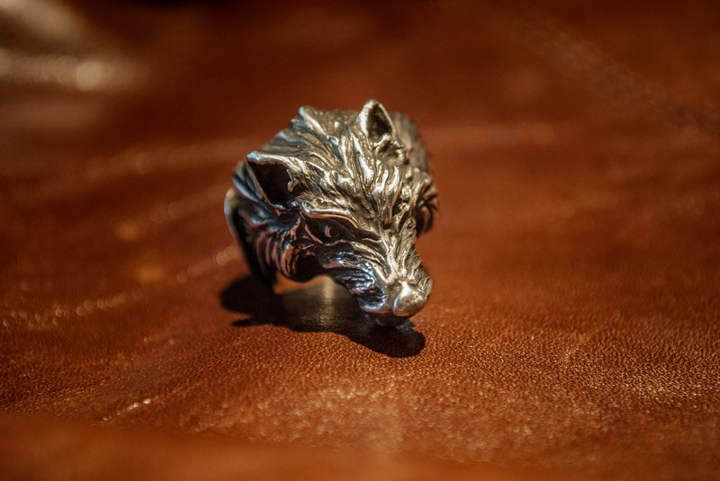 Alarein / handmade silver / western series / ring / wolves