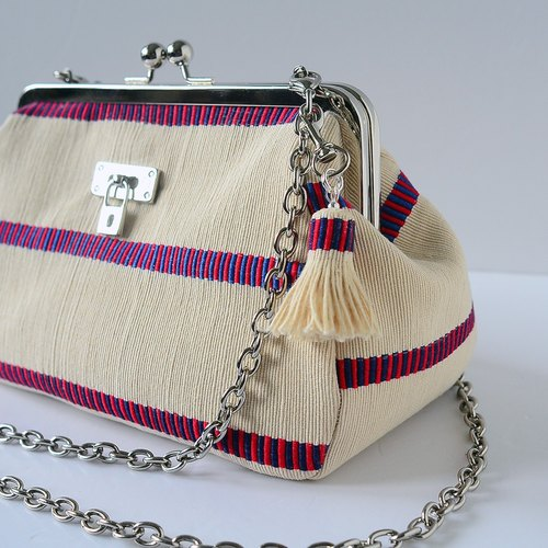Dinner Clutch Purse . Two ways handbag。Royal stripes