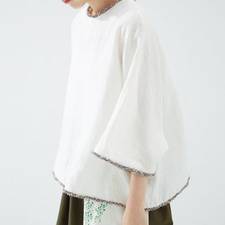 Rolled lace five-point sleeve white shirt