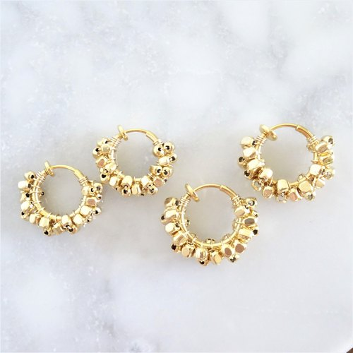 gold square metal*wrapped hoop earring耳夾式