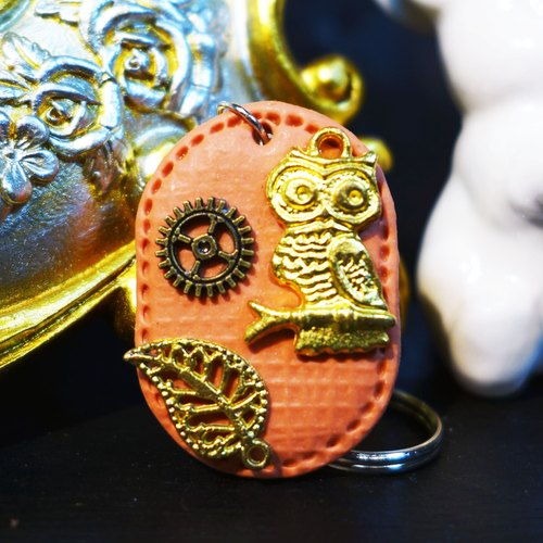 [Saturn] Yuan imitation leather retro style temperament pale orange owl hope keychain | Personalized Party Series: Sunrise | [Saturn Ring] This is Party: Sunrise | Fimo metal composite creation. Waterproof material. Necklaces can be changed