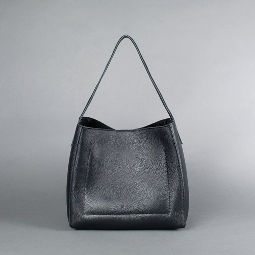 Passion love black hand bag / shoulder