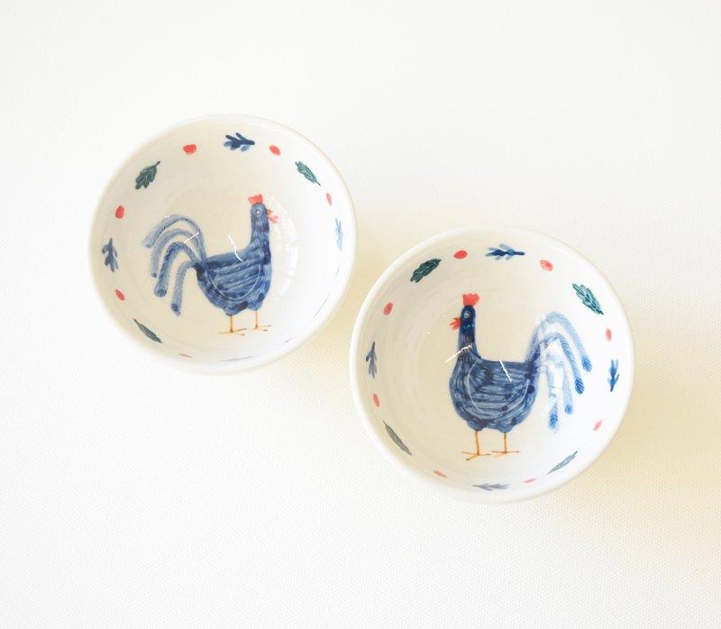 手繪小茶杯-藍色公雞與小紅果 對杯