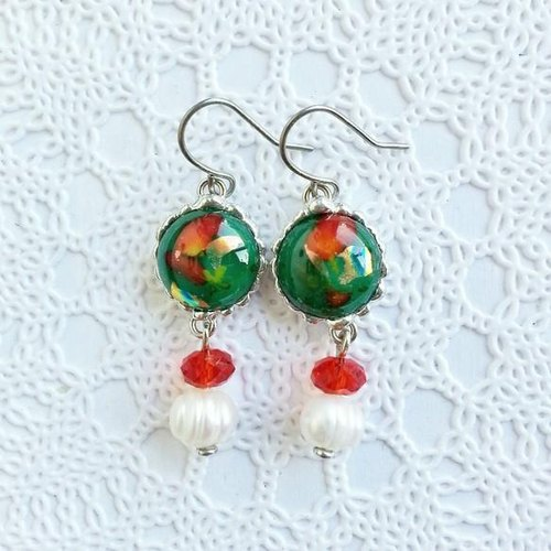 Glass Jewel and freshwater pearl earrings, earrings (red and green, red and green)