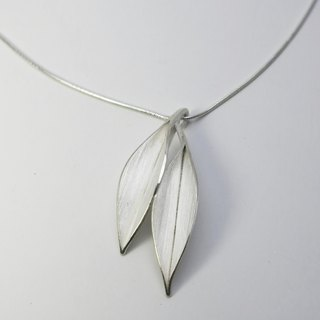 Nature-Dancing In The Wind-Two Big Leaves Silver Necklace-No.1/ handmade