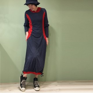 Dress】 【dress hooded waist modification long dress blue dot + red