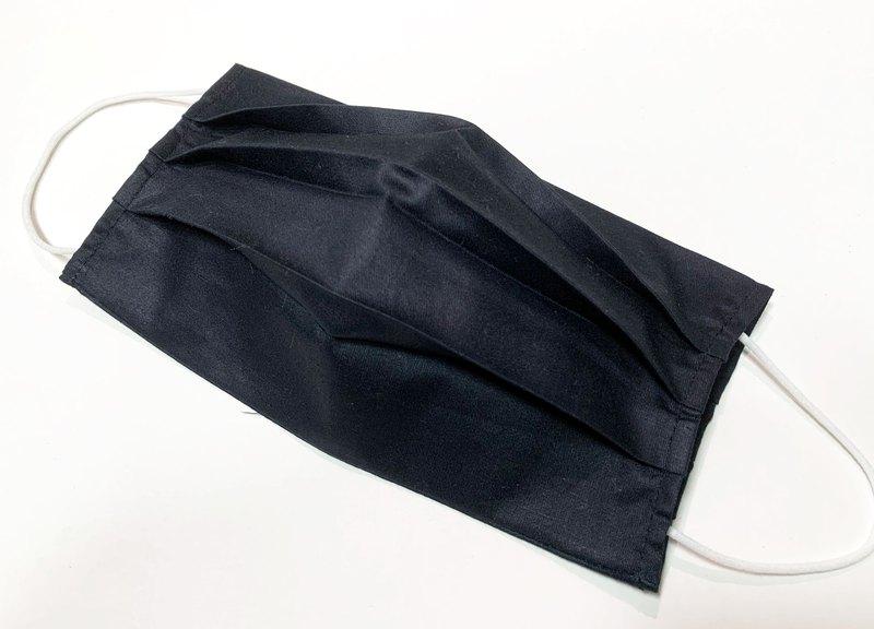 【 九木 Forestwud 】 簡約黑 口罩套 立體折子設計 - 不含口罩