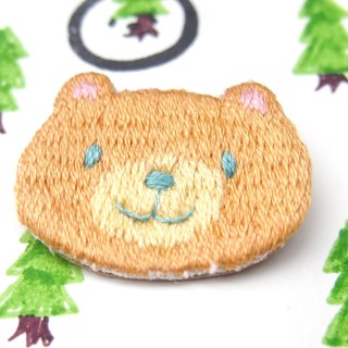 ◭ small animal head embroidery brooch ◮ caramel bear Bear