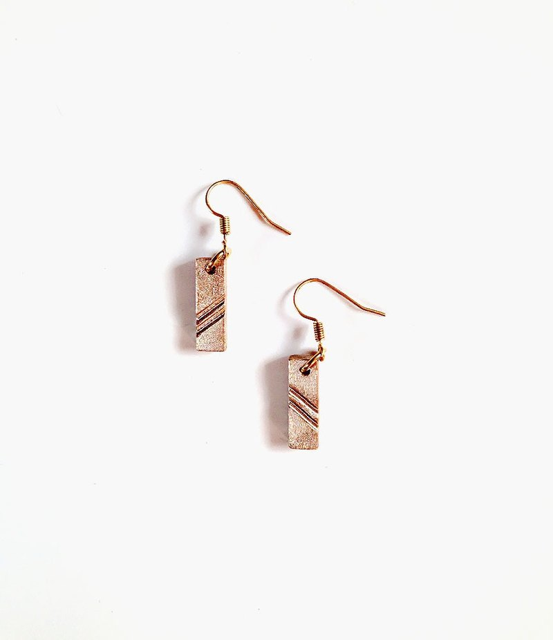 [Simple] Hand-made brass scoring • Earrings ( Can change folder type )