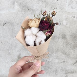 Hand-dried small bouquet rose dry flower floral spot