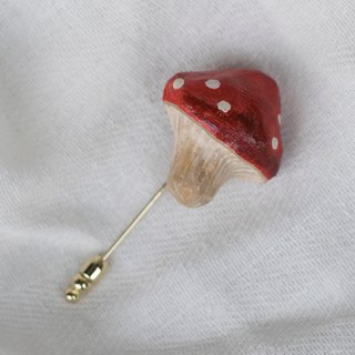 Straw mushroom brooch / plant heart needle
