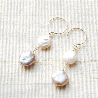 2 kinds of coin pearl earrings mauve x White (14kgf)