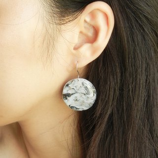 *Coucoubird*marbling sprayed gold earrings / large circle section