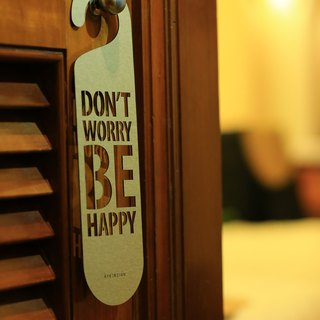 "[EyeDesign see design] a word door hanging ""DO NOT WORRY BE HAPPY"" D11"