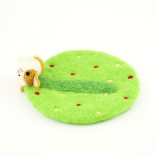 Have fun – corgi dog rolling on the grass wool felting coaster