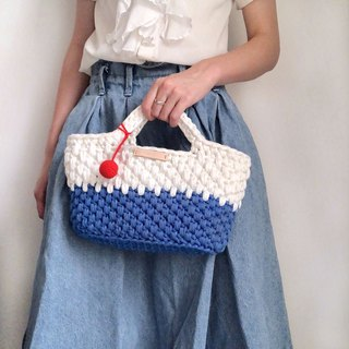 Crochet _ a little weight totes _ Mt. Fuji