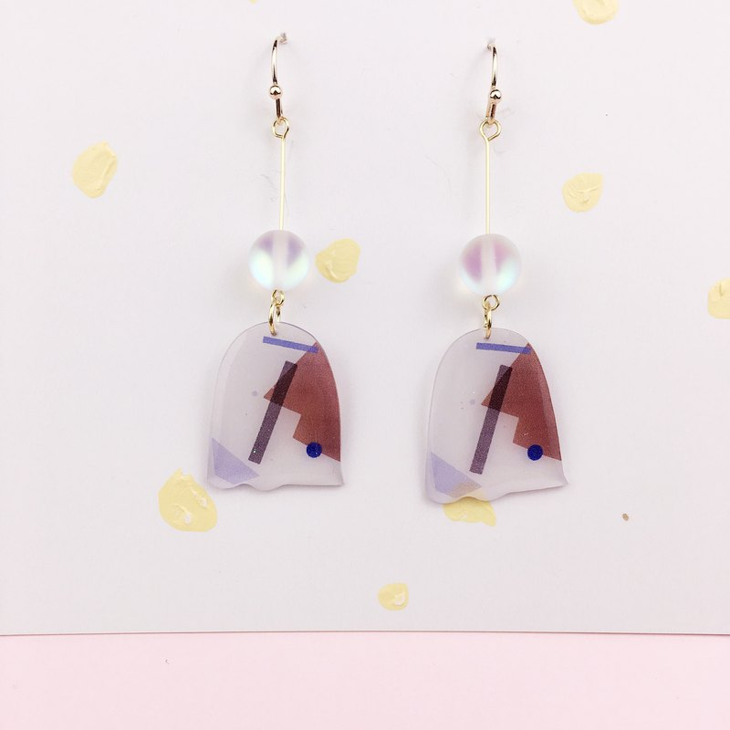 A pair of color block recombination series of chip earrings on the drawing board