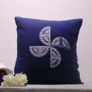 Batik windmill horseshoe pattern hand-plant printing and dyeing cotton pillowcase