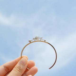 Limited edition— transparent moon bangle