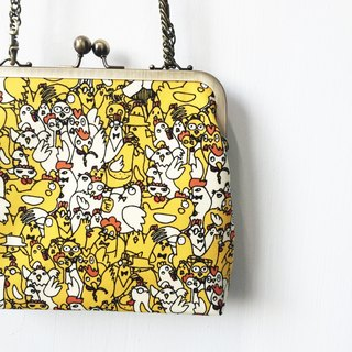 Wahr_Angry chicken  clasp frame bag/with chain/ cosmetic bag / shoulder bag /