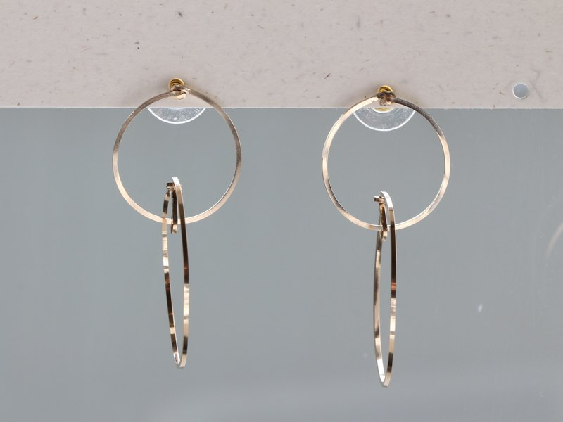 14kgf- Floating in the ring pierced earrings(可換耳夾式 can change to clip-on)