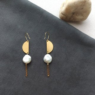 Pair of Hope - Brass Natural Pearl Clip Style Earrings