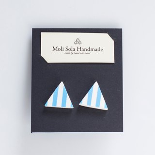 Hand made triangular clay stud earrings blue article