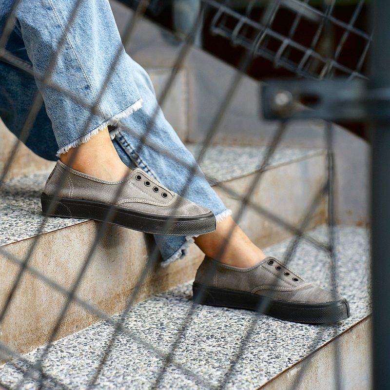 西班牙國民帆布鞋 CIENTA U10777 170 淺灰色 黑底 洗舊布料 大人