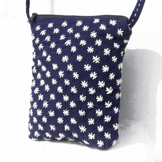 Birthday gift mothers day gift limited a piece of hand-stitched cotton cloth side backpack / embroidery cross bag / hand embroidery shoulder bag / hand-stitched blue dyed / indigo cell phone bag -