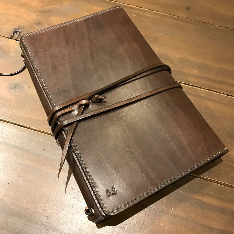 Handmade custom-made Hand-dyed leather A5 loose-leaf notebook, the details can be changed (free printing, embroidered words)