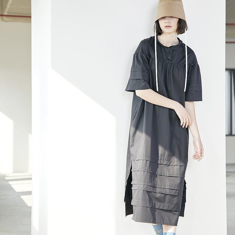Cloud shadow layered pressure pleated slit wide-sleeved dress