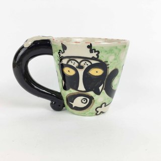 Nice Little Clay wide mouth mug upside down black and white cat 01062-01