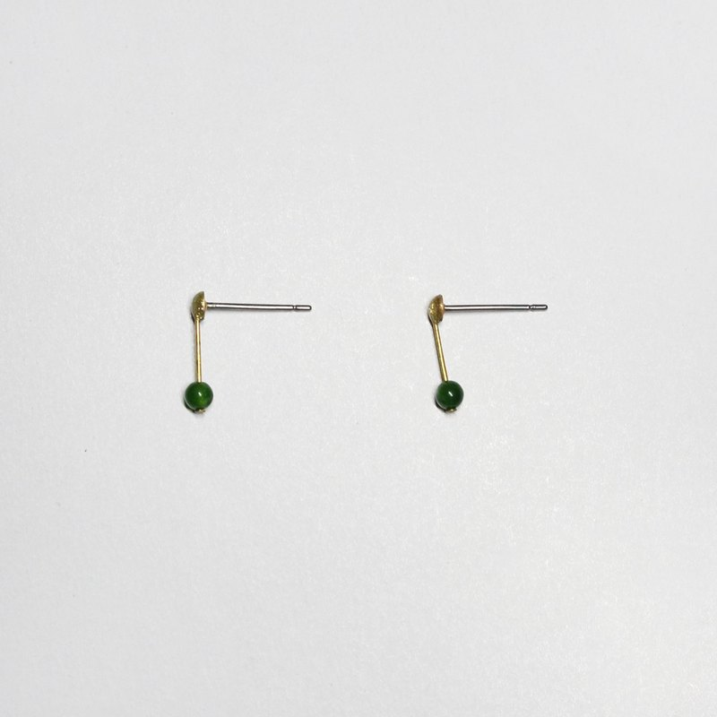 half's half- whisper (green) - Jade / brass / earrings / green / Stainless Steel Ear / Natural stone