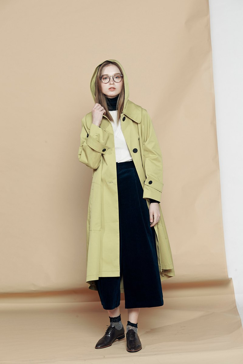 Detachable hooded loose pleated trench coat