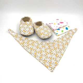 White flower yellow bottom - Miyue baby gift box (toddler shoes / baby shoes / baby shoes + 2 handkerchief + scarf)
