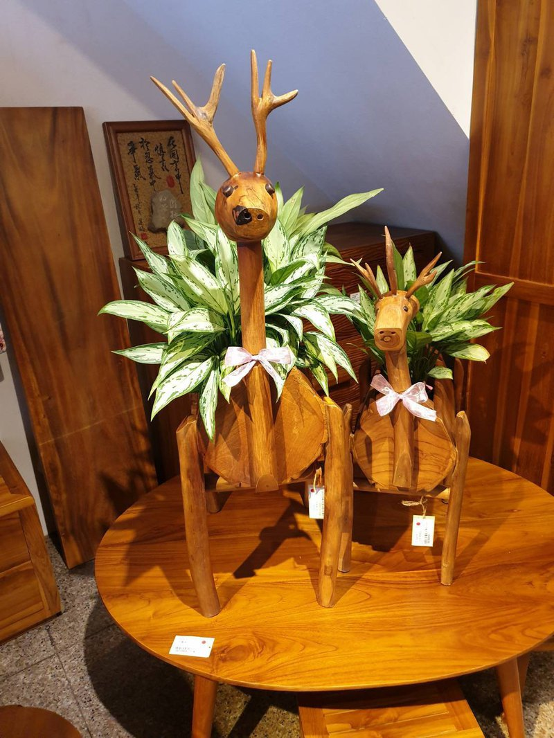 Teak deer shape flower stand small