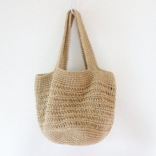 Round bottom shoulder bag / jute / yuoworks