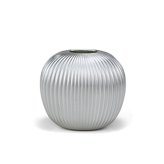 Pure tin vase (apple)