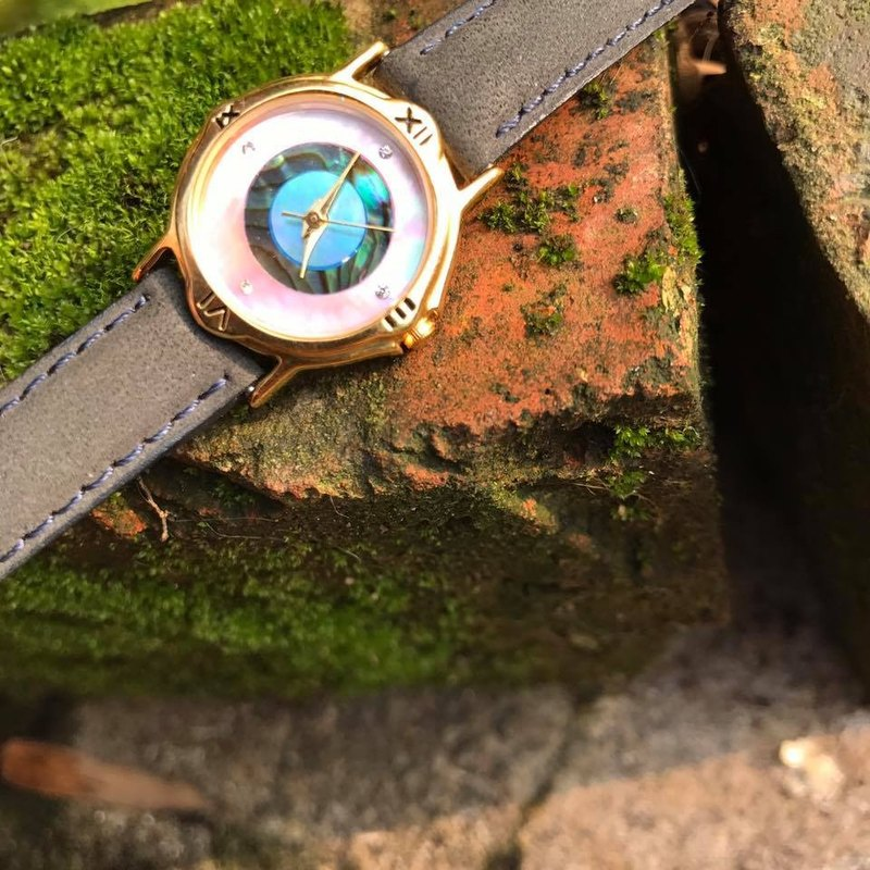 【Lost And Find】 Natural Mother of pearl  abalone  watch