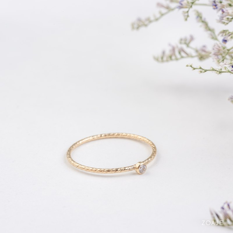 SWITZERLAND white dainty hammered ring in 14k gold filled and white Zircon stone