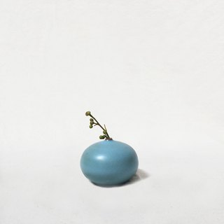 Handmade ceramic mini flower - Oblate (light blue)