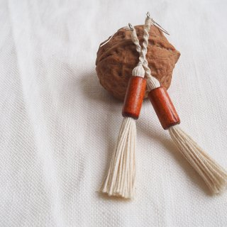 Elegant Macrame Earrings With Tassels ( Wooden Beads X Creamy )