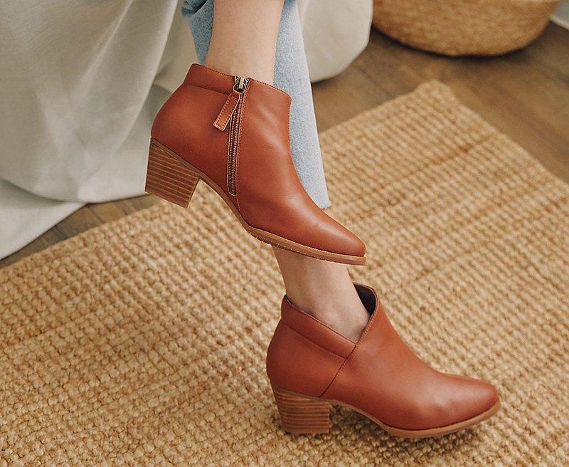 有夠顯瘦V口短靴 大尺碼手工踝靴_焦糖
