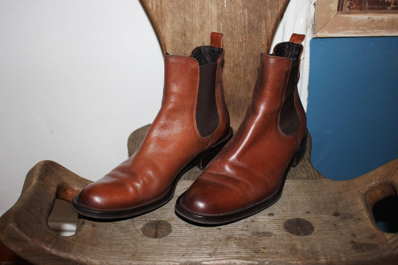 S111 (Vintage) Italian made shoes brown boots (23.5cm) Size: 37