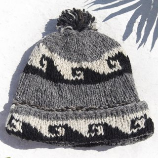 Christmas gift emergency gift exchange gifts limited a hand-woven pure wool cap / knitted wool cap / inner bristles hand-woven wool cap / wool cap / hand-knit hat - black and white gray Eastern European wave totem