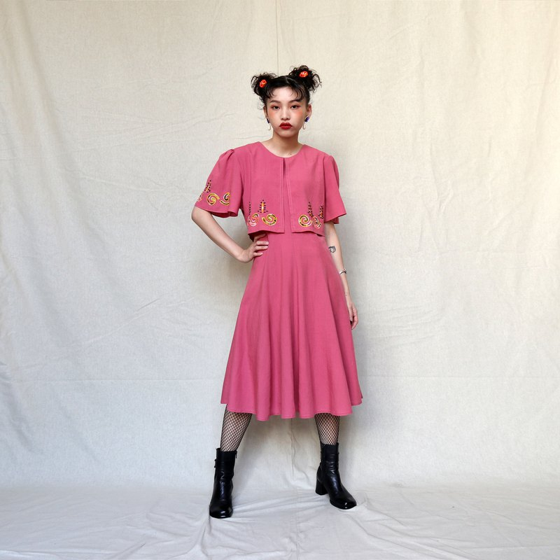 Pumpkin Vintage. Ancient pink double-layer embroidered beaded dress