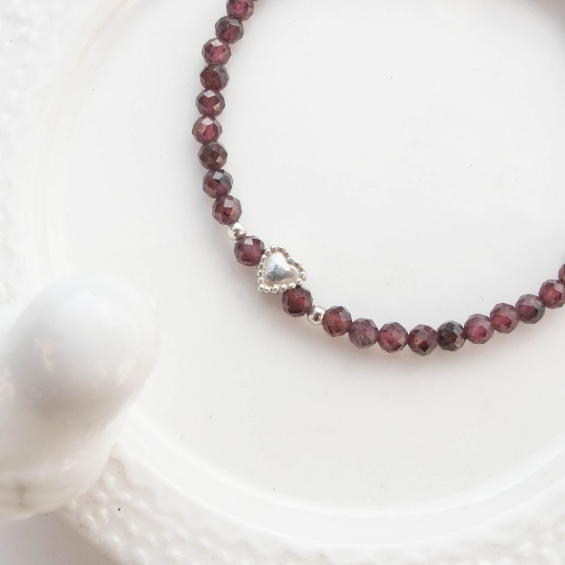 Bigman Taipa [natural stone] purple garnet × lace love × cut beads × sterling silver beaded bracelet