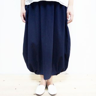 [MIT] Qi Wu eight 〇x cotton bud off big swing skirt nine points (dark blue)